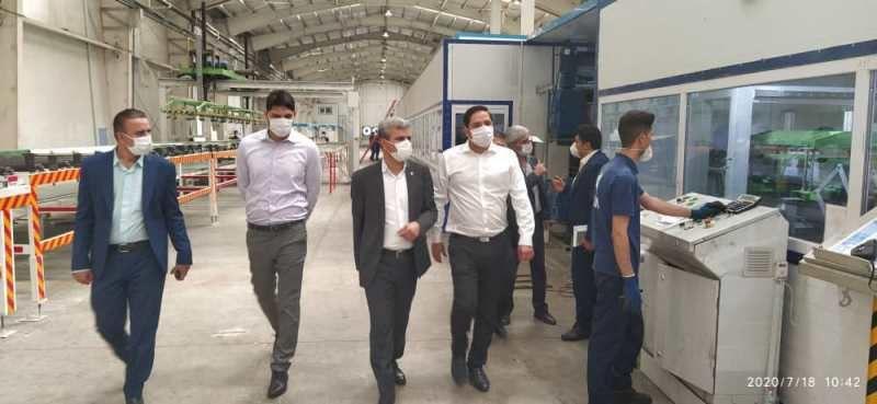 بازدید سرپرست مدیریت شعب فارس از چند طرح تولیدی در شیراز